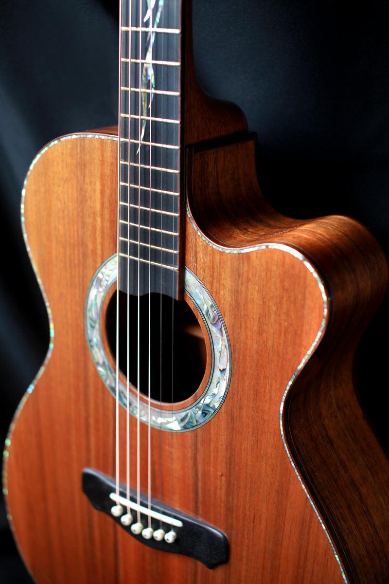 custom-handmade-grand-auditorium-acoustic-guitar-venetian-cutaway-koa-rosewood-2015-02.jpg